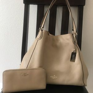 Coach hobo leather bag with matching wallet🤩